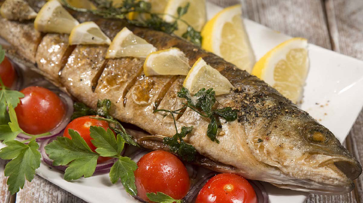 شکم پر کردن ماهی به روش بوشهری