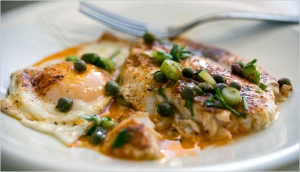 ماهی سوری با تخم مرغ