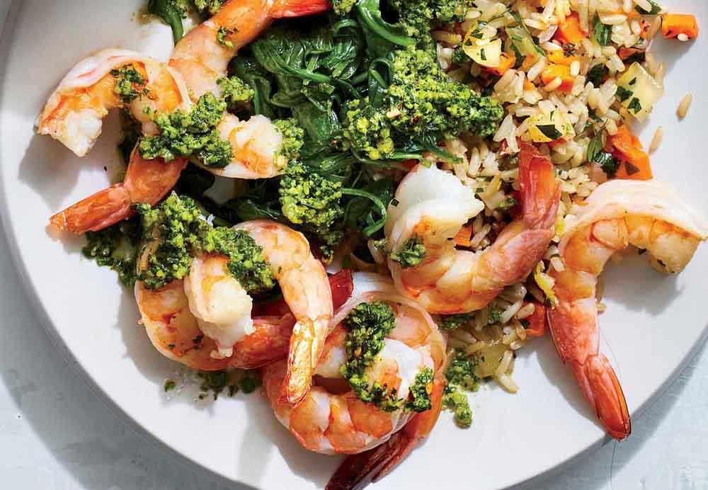 غذا با میگو و سبزی
