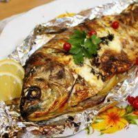 روش شگفت انگیز پخت ماهی شکم پر در ماهیتابه